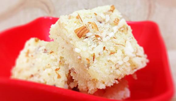 How to make Coconut Burfi –नारियल की बर्फी कैसे बनायी जाती है ?