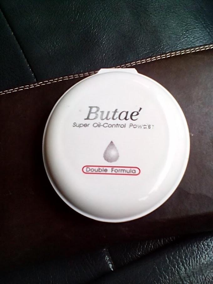 Butaé. Super Oil Control Compact Powder