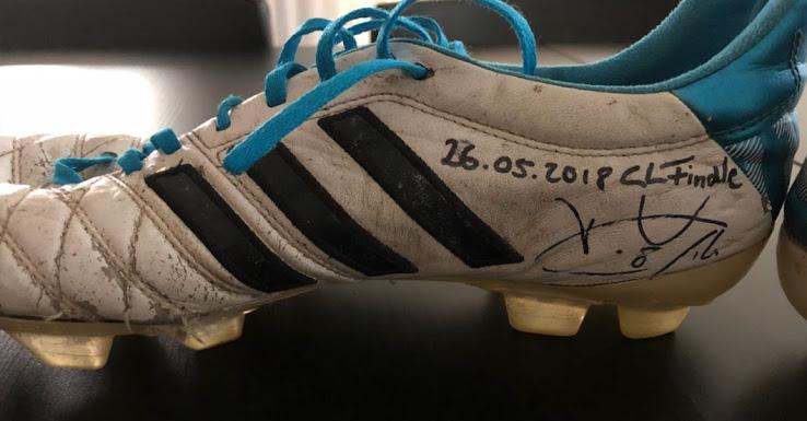 https://3.bp.blogspot.com/-9BH5fduWjKU/Ww8OX7rwWTI/AAAAAAABjSI/65zV7pG-QJAEUJo6PWZ0QNuRN25b1LliwCLcBGAs/s738/will-he-finally-switch-kroos-auctions-off-iconic-match-worn-adidas-11pro-boots-3.jpg