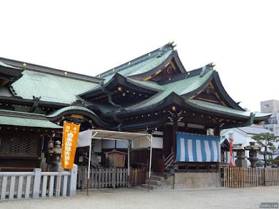 大阪天満宮登龍門と拝殿