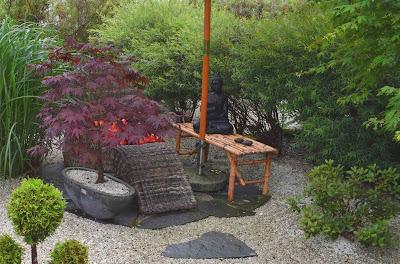 Japansk trädgårdsinspiration, Krattat grus, Grusträdgård