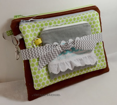 http://whimsicalfabricblog.blogspot.com/2015/11/november-tutorial-tuesday-hostess.html