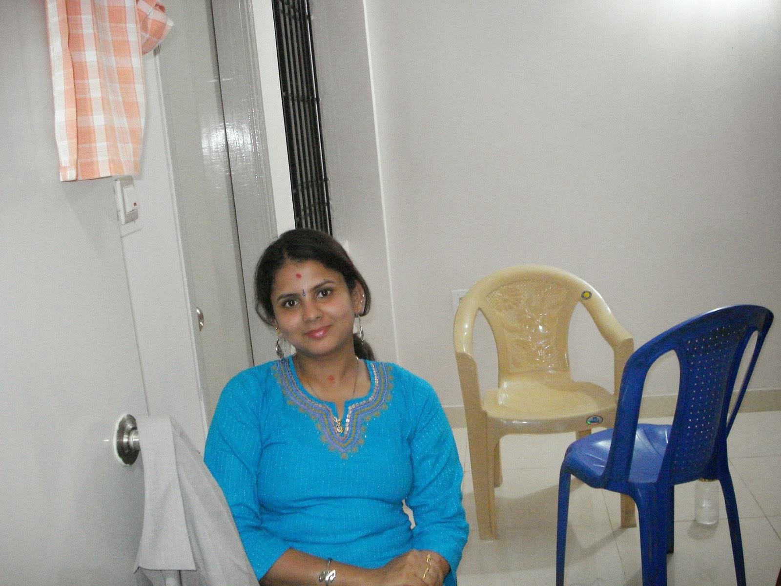 Beautiful Desi Tamil And Telugu Hot Aunties Photos -4000