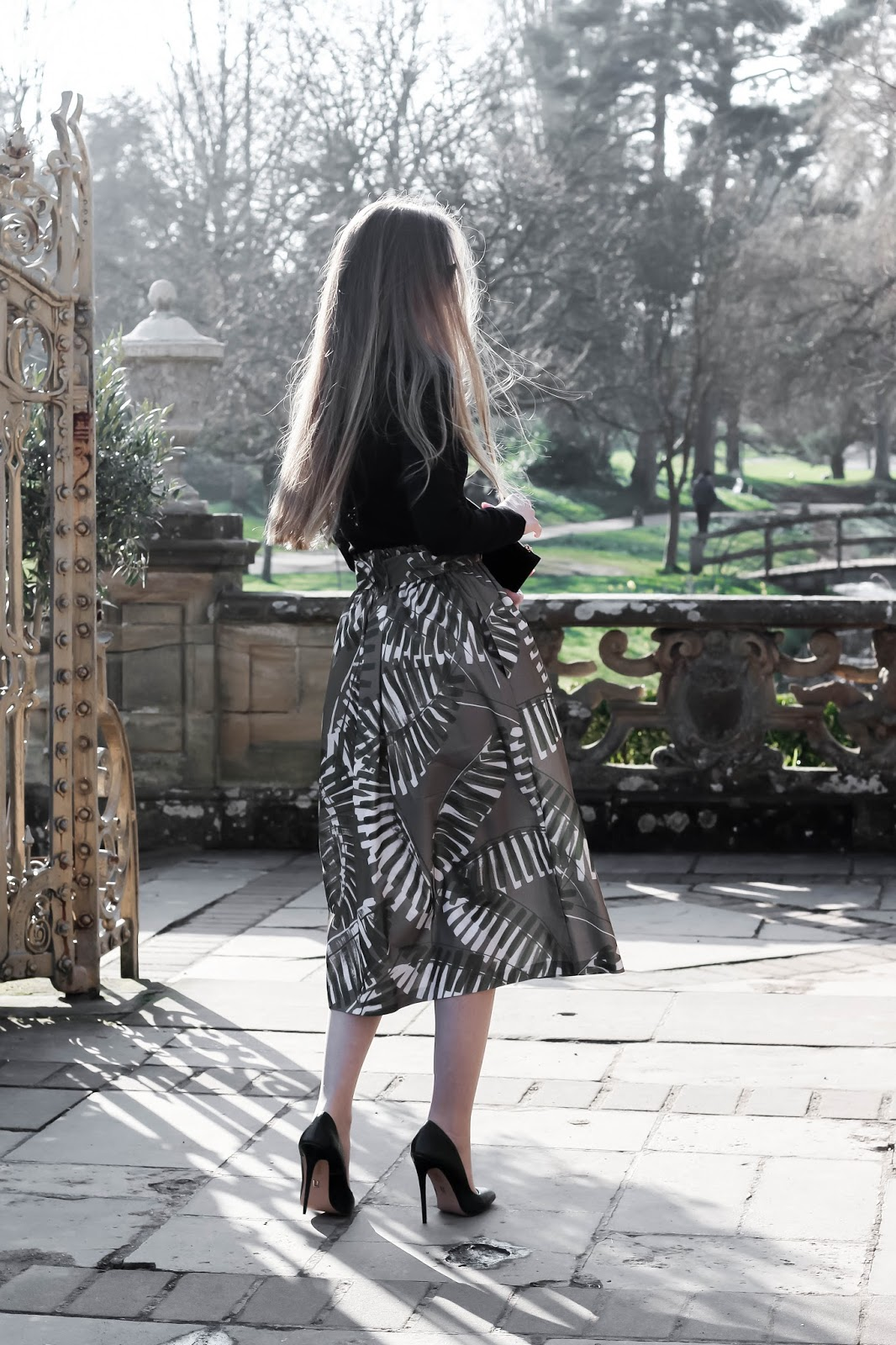 Fashion Blogger Midi Skirt and Stiletto Heels