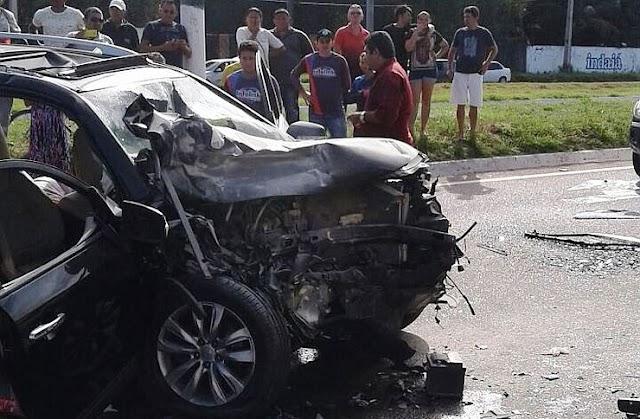 Acidente deixa dois jovens mortos e outros dois feridos na CE-040 nesta manhã