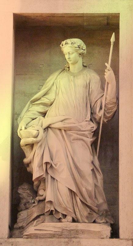 Fontana Trevi alegoria medicina - Roma para Ateus