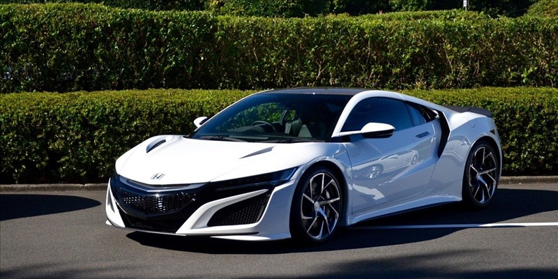 The Acura NSX 2017 will display a price of $189,900 to the Canada