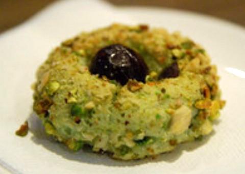Sweet biscotto dessert with pistachio