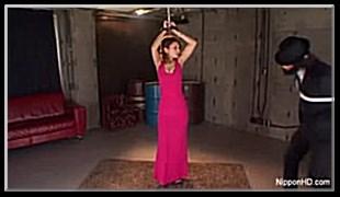 선홍빛 드레스여인 복면남과 질내사정