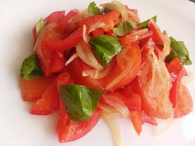 Pomidor z papryką do obiadu