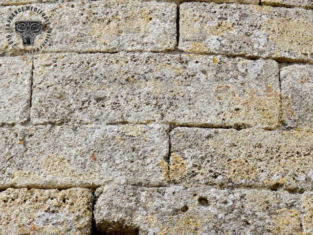BOLLENE (84) - Chapelle romane de Bauzon