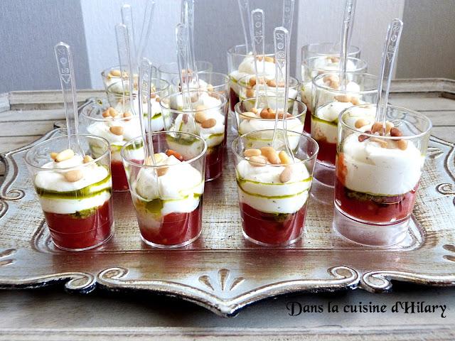 Verrines aux accents Italiens : compotée de tomate, chantilly de chèvre, pesto et pignons