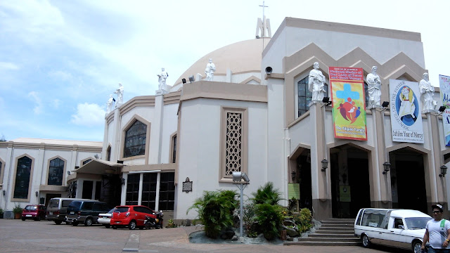 Check out some photos from our recent trip to Antipolo Church, which is also known as: Antipolo City Cathedral, National Shrine of Our Lady of Peace and Good Voyage, Immaculate Conception Parish, Nuestra Señora de la Paz y Buen Viaje.