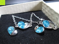 Schmuck vorne: Fashmond Schmuckset Schmuck-Sets eine Ohrringe, ein Armband und eine Halskette Kette mit Anhänger für Frauen Mädchen Blau aus Kristall