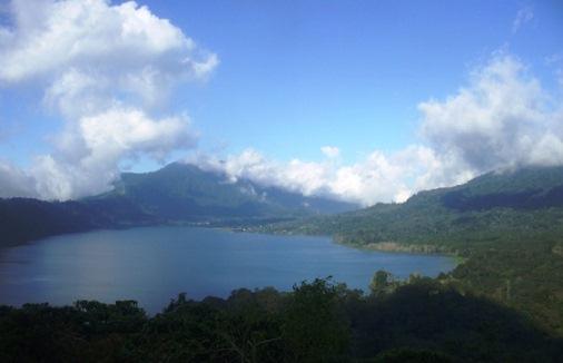 Lake Buyan Festival - Twin Lake Buyan And Tamblingan - Water As A Natural Resource In Bali