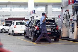 http://vnoticia.com.br/noticia/2815-pezao-sanciona-projeto-que-reduz-icms-para-o-diesel-no-rio-de-janeiro