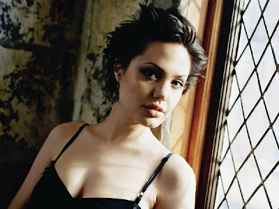 Angelina Jolie Bold Photo