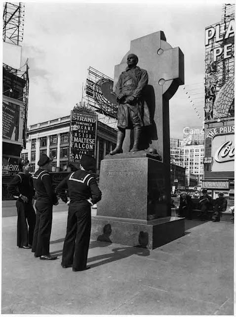Father Duffy statue on 12 October 1941 worldwartwo.filminspector.com