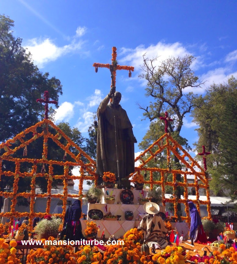 Day of the Dead Ofrenda in Pátzcuaro in honor of Vasco de Quiroga