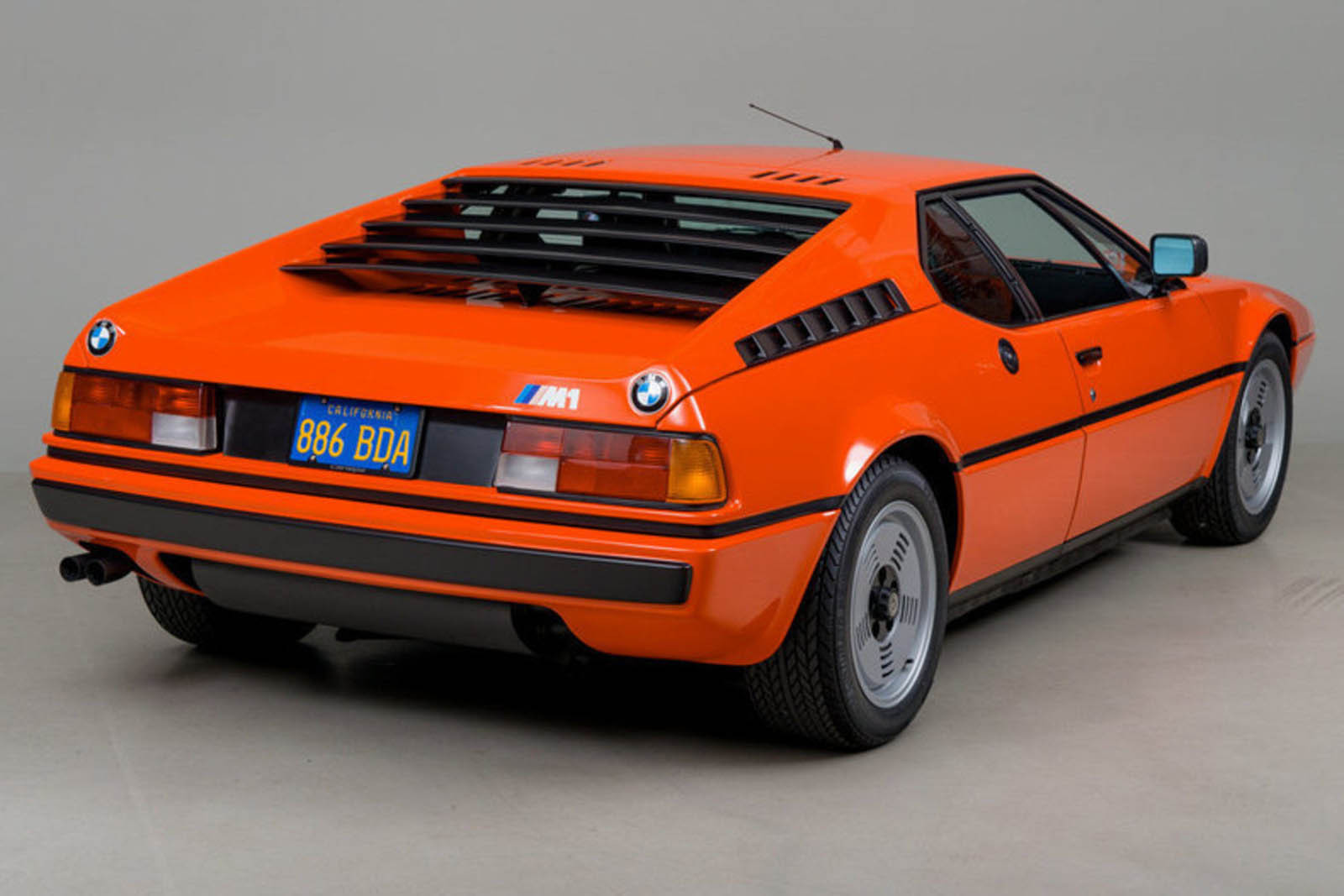 Who S Going To Pay 745 000 For This Bmw M1 Carscoops