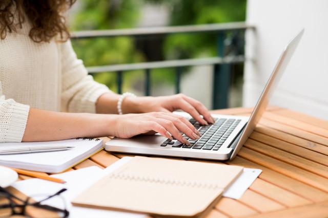 mengetik sepuluh jari penting untuk blogger [ini hal wajib]