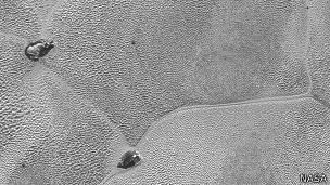 Plutón: Estas formaciones miden hasta 20 kilómetros de largo.