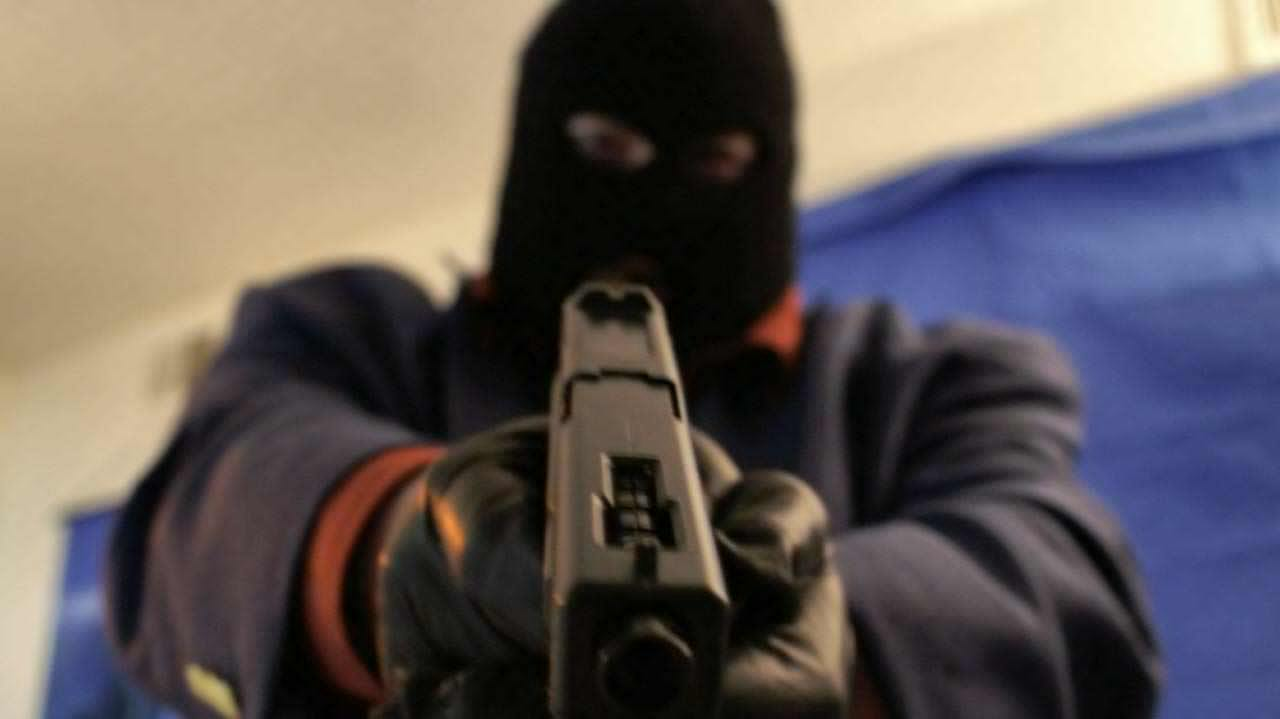 Kidnappers abduct white man and head of polythenic