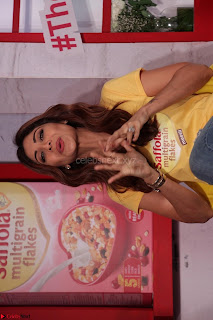 Shilpa Shetty super cute fit in Yellow T Shirt 12.JPG
