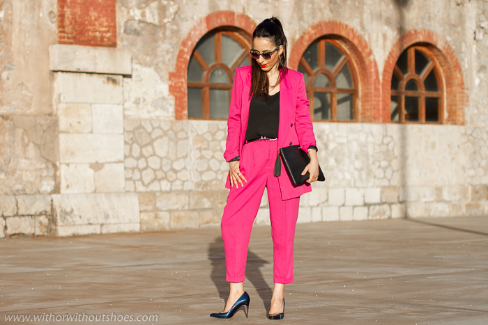 Influencer blogger moda valenciana con look elegante