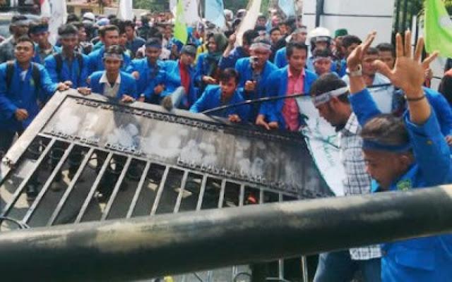 Duduki Gedung DPRD Riau, PB HMI Sebut Mahasiswa Tidak Bisa Dimobilisasi