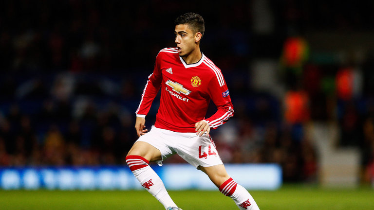 Andreas Pereira pens new Manchester United deal