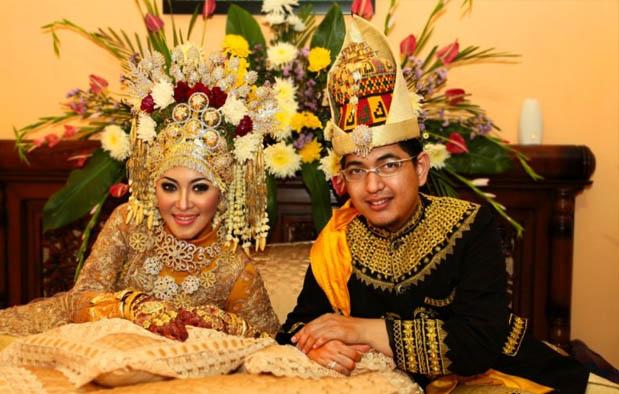 Inilah Pakaian Adat Dari Provinsi Aceh (Pria dan Wanita)