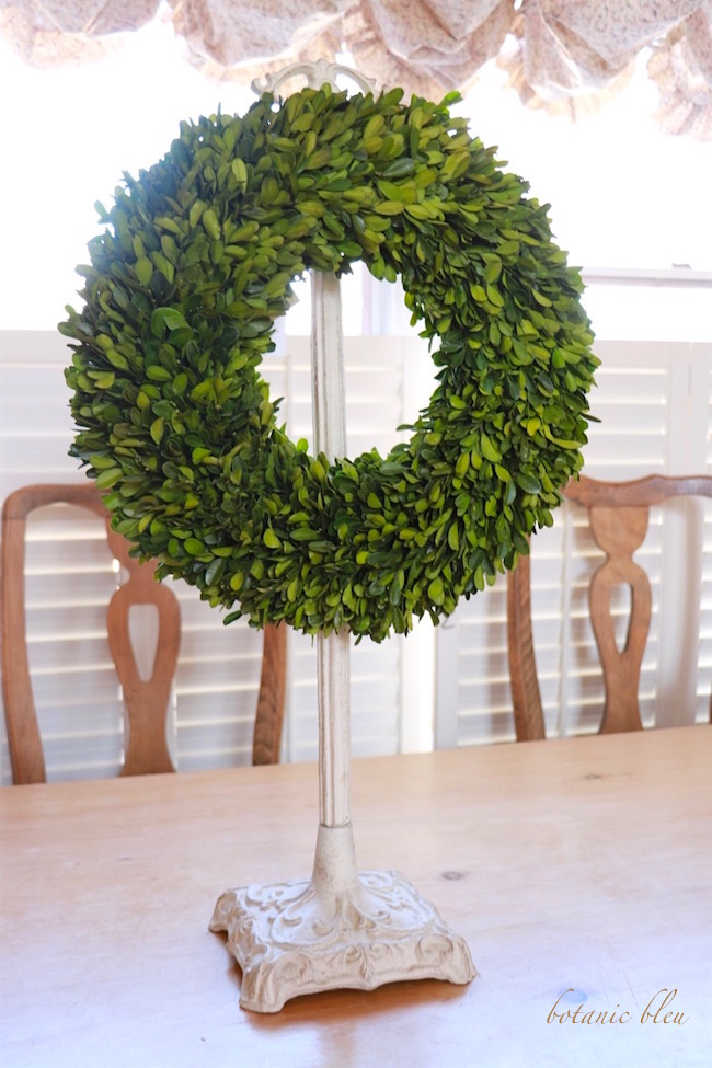 french-style-white-wreath-holder-with-boxwood