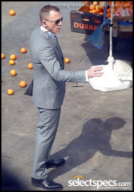 Daniel Craig wears Tom Ford Sunglasses in New James Bond Movie - Skyfall