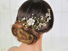 hairpin in a low bun - wedding ideas - wedding planning services at K'Mich Weddings in Philadelphia PA