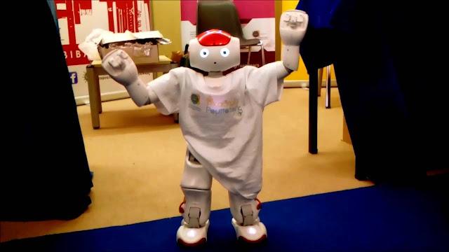 Το ρομπότ που... γρικά Ποντιακά «δίδαξε» 2.000 ενήλικες