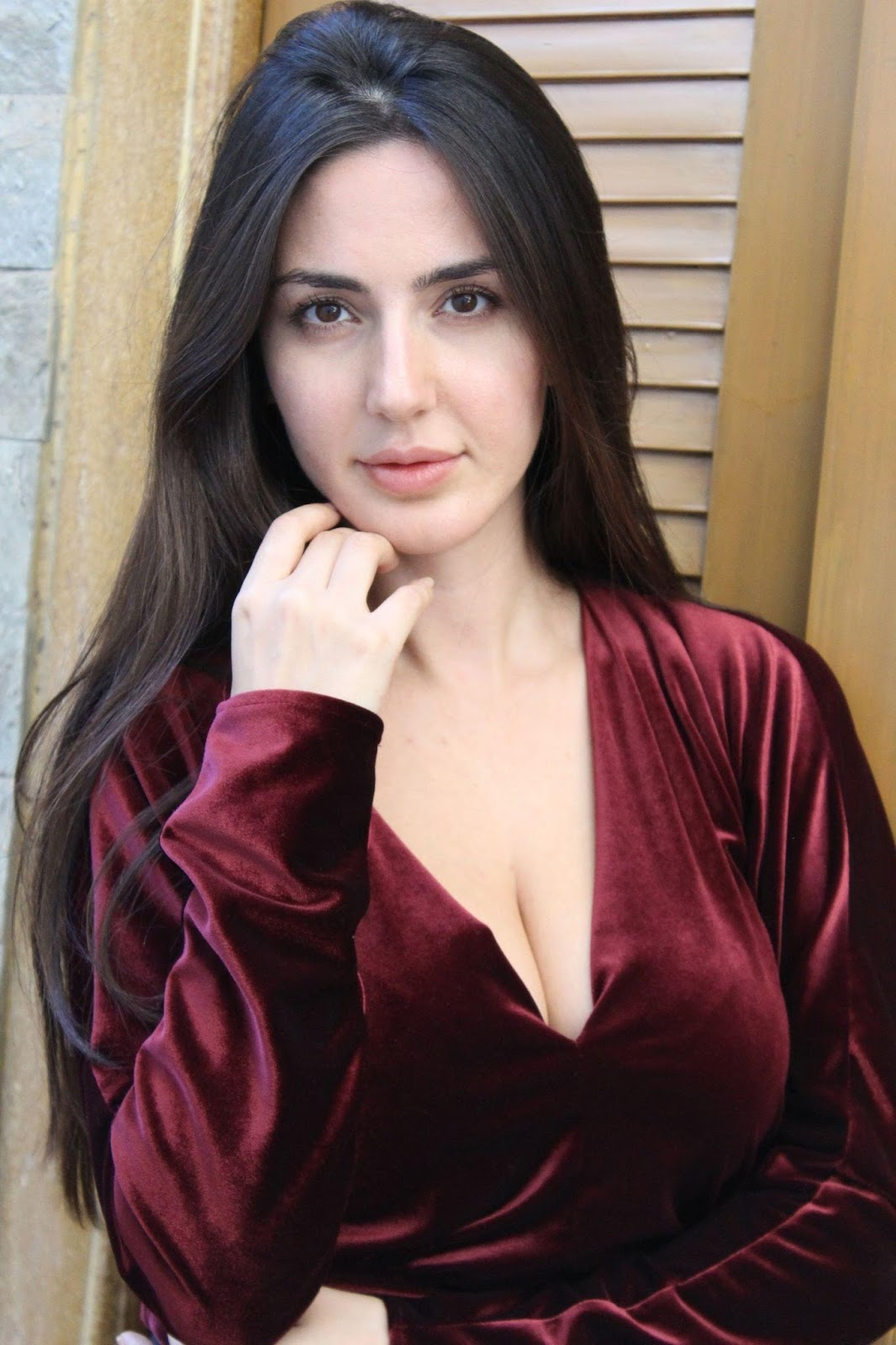 Farah Karimi Looks Irresistibly Sexy In Her Latest Hot -7355