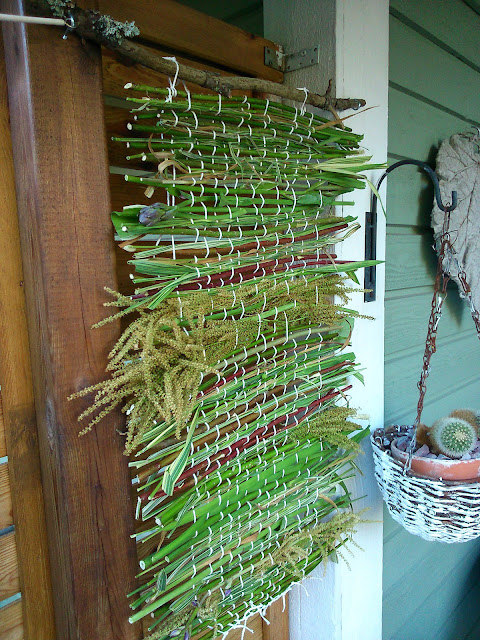 naturalmaterial weaving