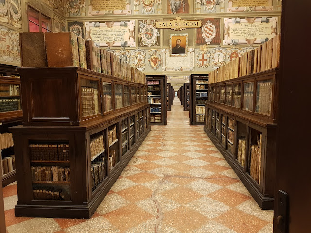 biblioteca comunale dell'Archiginnasio bologna