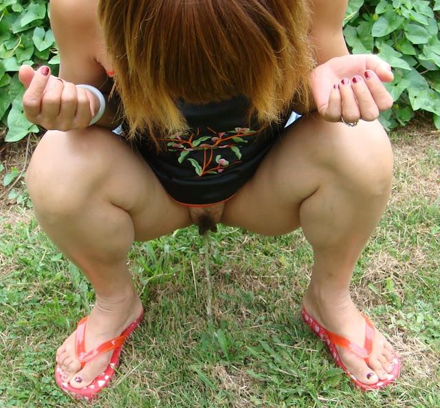 xoxo leah outdoors porn skirt