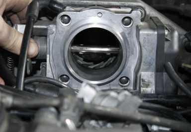 salah satu perangkat yang bisa kita manfaatkan guna menghemat pemakaian bahan bakar ialah Throttle Body Spacer Pilihan Cara Menghemat BBM