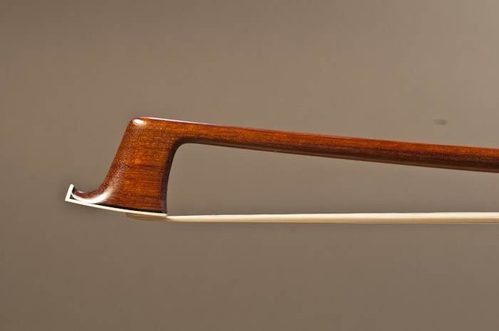 The Bow in Process, the workshop of Charles Espey