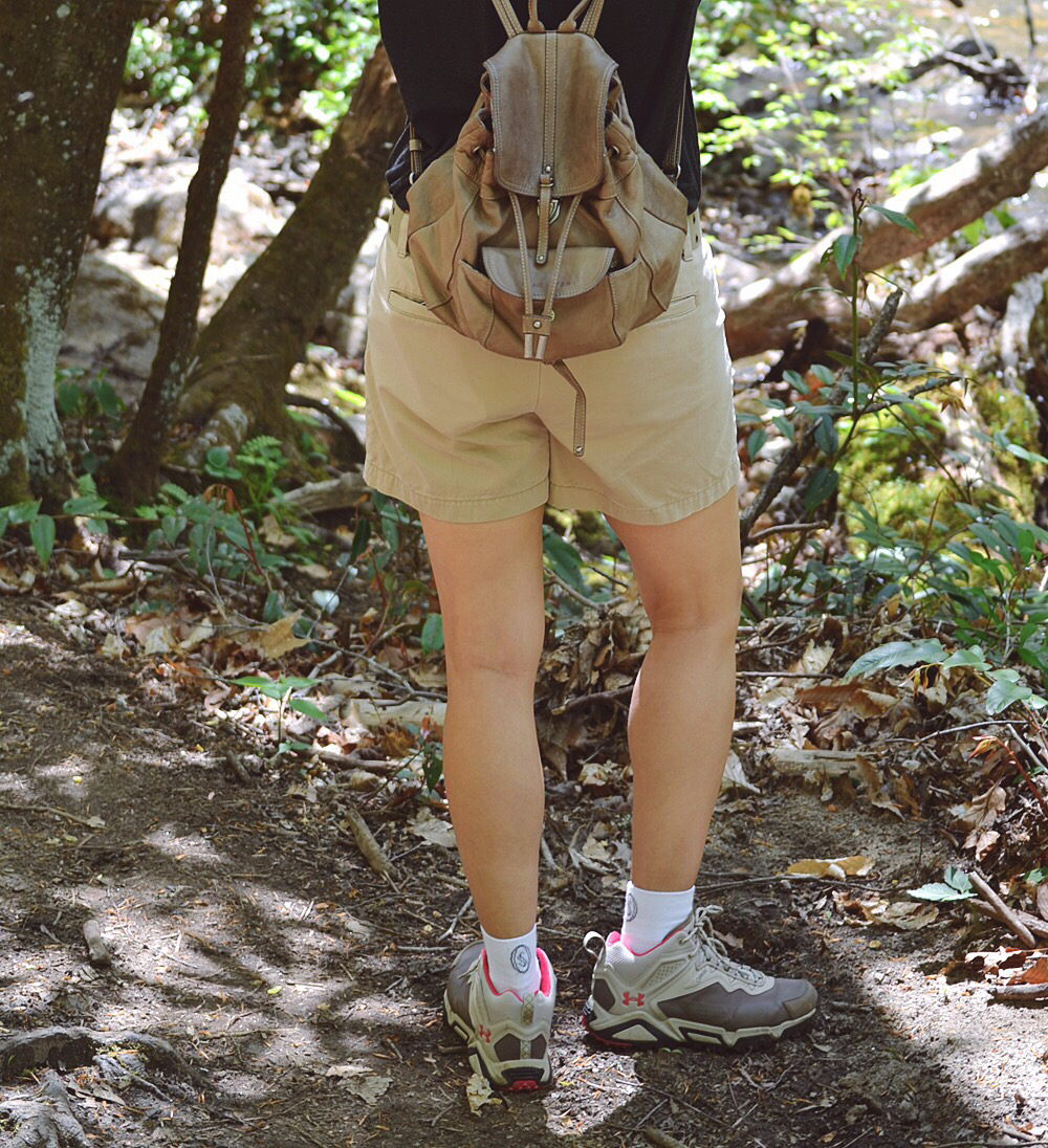 What shoes to wear to go hiking