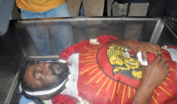Actor manivannan funeral photos casually