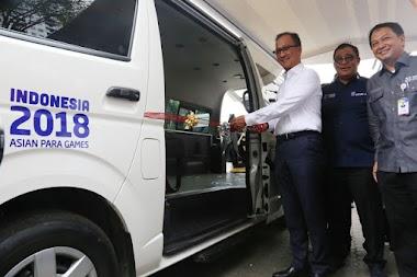Kemensos Serahkan Mobil Aksesibilitas untuk Asian Para Games 2018