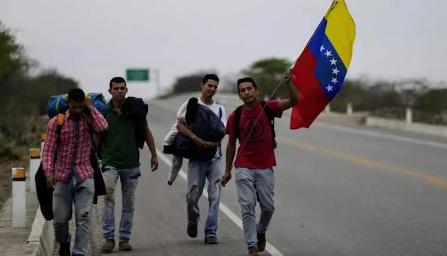 Más de 5 mil venezolanos dejan el país diariamente, según Acnur