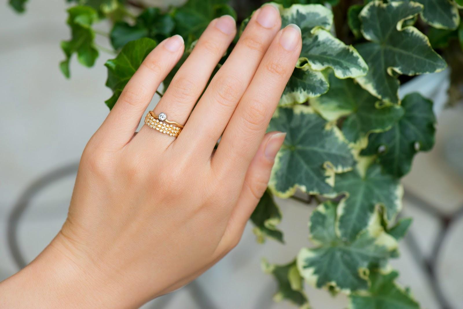 Gran Flow Ring:Engagement ver.  K18YG&PT Gran Flow Ring:Marriage ver. K18YG