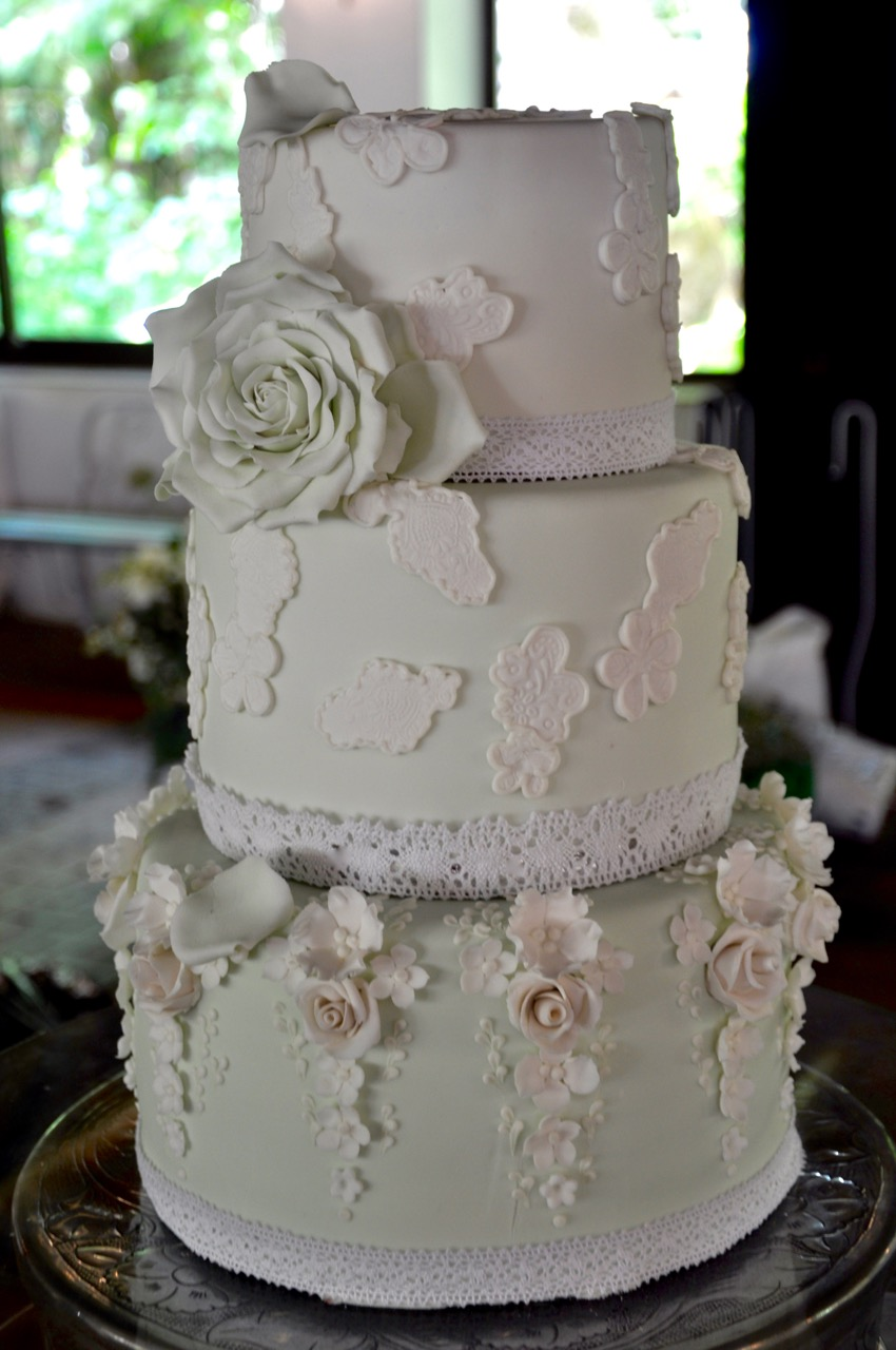 Rozanne S Cakes Mint Green And White Lace Wedding Cake