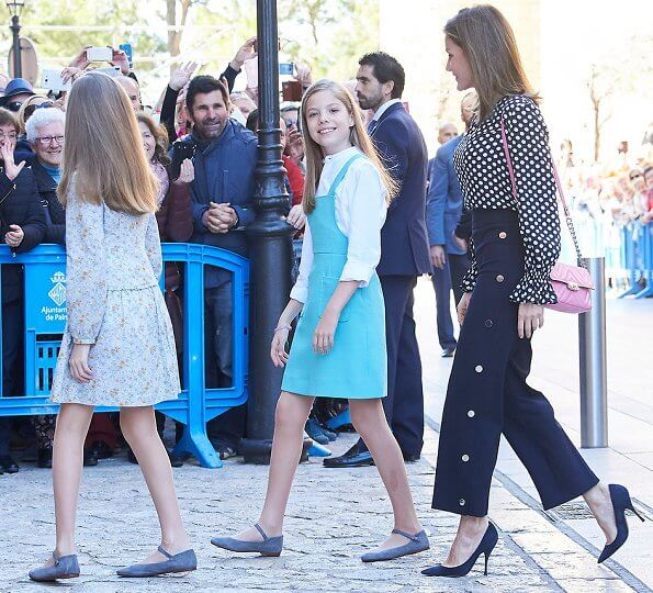 King Felipe, Queen Letizia, King Juan Carlos, Queen Sofia, Crown Princess Leonor and Infanta Sofía