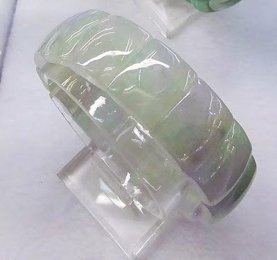 white jadeite jade bangle